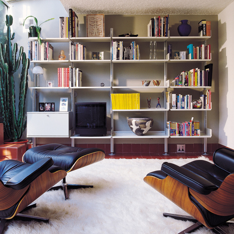Vitsoe-shelves-living-room.jpg